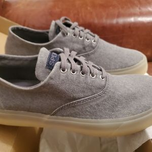 SPERRY Captain's CVO Canvas Topsiders